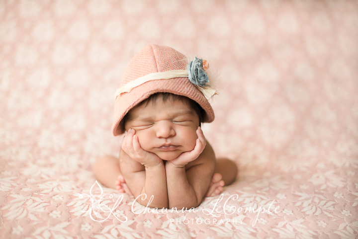 She is beautiful mansfield newborn photographer