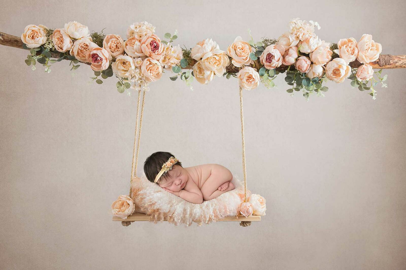 Newborn photography by Dallas/Fort Worth maternity, newborn, and children's photographer Chaunva LeCompte Photography